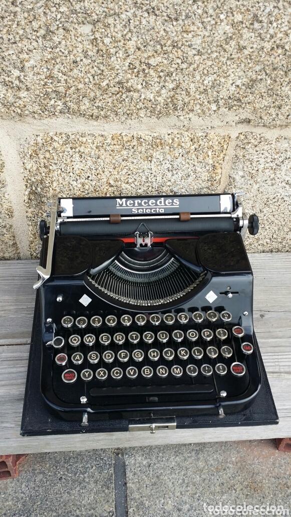 Antigüedades: Máquina de escribir Mercedes 1934 - Foto 2 - 172352260
