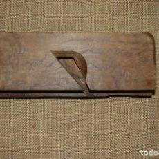 Antigüedades: CUERPO DE CEPILLO DE CARPINTERO DE MACHIEMBRAR. Lote 172420128