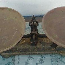 Antigüedades: BALANZA VULCANO, 5 KILOS, EN USO, MUY BONITA.. Lote 172457050