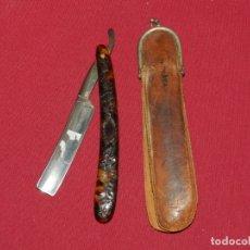 Antigüedades: NAVAJAS DE AFEITAR - THISTLE BRAND CON FUNDA, SEÑALES DE USO. Lote 172461969
