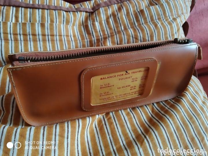Antigüedades: Balanza salter para maletas de viaje con funda para guardar en cuero sintetico hasta 22 kg - Foto 4 - 172463794
