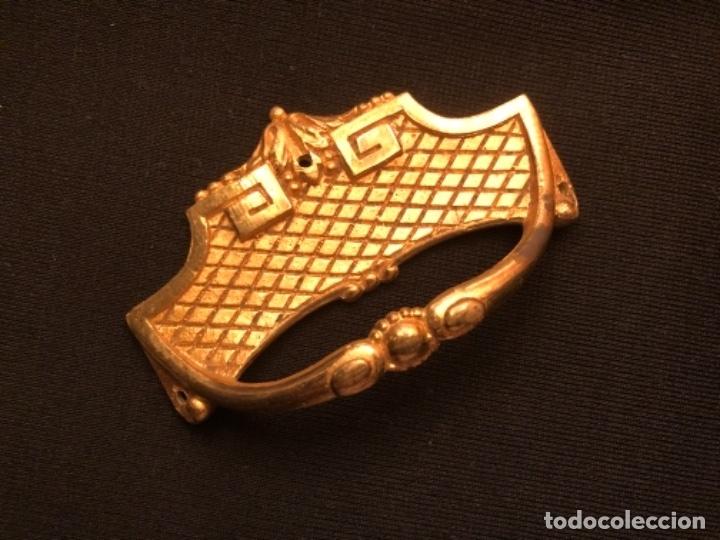 Antigüedades: BONITO TIRADOR EN METAL DORADO - Foto 2 - 172578139