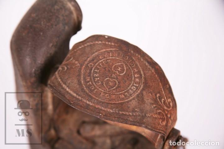 Antigüedades: Antigua Plancha de Carbón con Chimenea - Castilla Made for Warden & Hotchkiss, Inglaterra - Foto 2 - 172607913