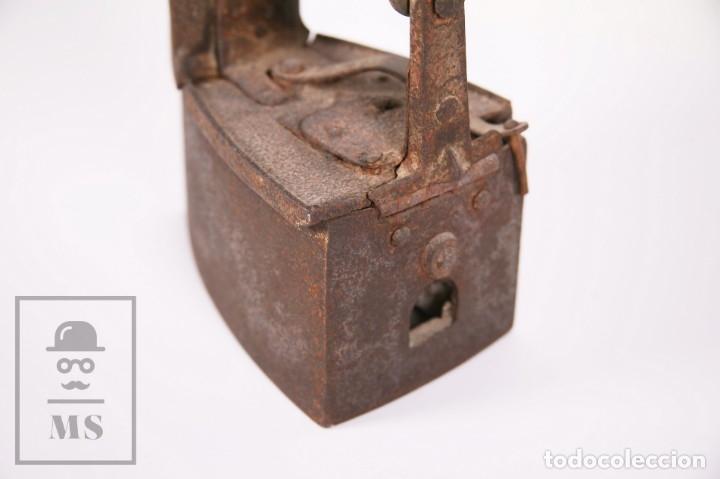 Antigüedades: Antigua Plancha de Carbón con Chimenea - Castilla Made for Warden & Hotchkiss, Inglaterra - Foto 7 - 172607913