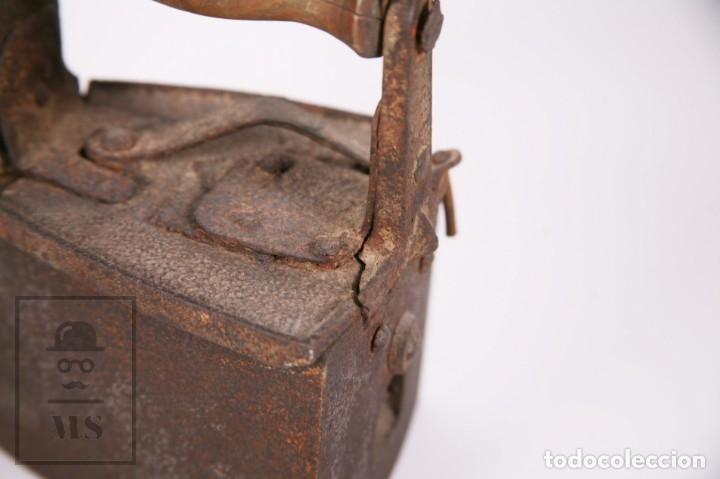 Antigüedades: Antigua Plancha de Carbón con Chimenea - Castilla Made for Warden & Hotchkiss, Inglaterra - Foto 9 - 172607913