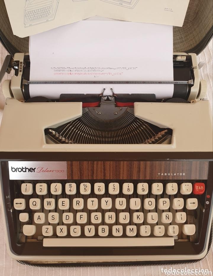 Antigüedades: Máquina de escribir Brother Deluxe 1300 - Foto 2 - 172697359