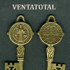 Antigüedades: LLAVE GRANDE ANTIGUA DE BRONCE - MIDE 5,2 X 2 CENTIMETROS Y PESA 7,67 GRAMOS (CRUZ Y SANTO ) - Nº3. Lote 172796829