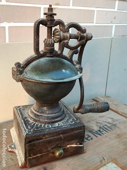 Antigüedades: Gran molinillo Peugeot Aines & Cia Pont de Roide- Modelo 1877 - Foto 2 - 172866015