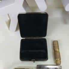 Antigüedades: MAQUINILLA AFEITAR PLEGABLE. Lote 172880018