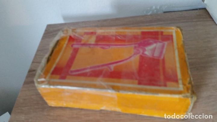 Antigüedades: ANTIGUA MAQUINILLA MANUAL DE CORTA EL PELO SELADA LUMINA,0 - Foto 2 - 172900144