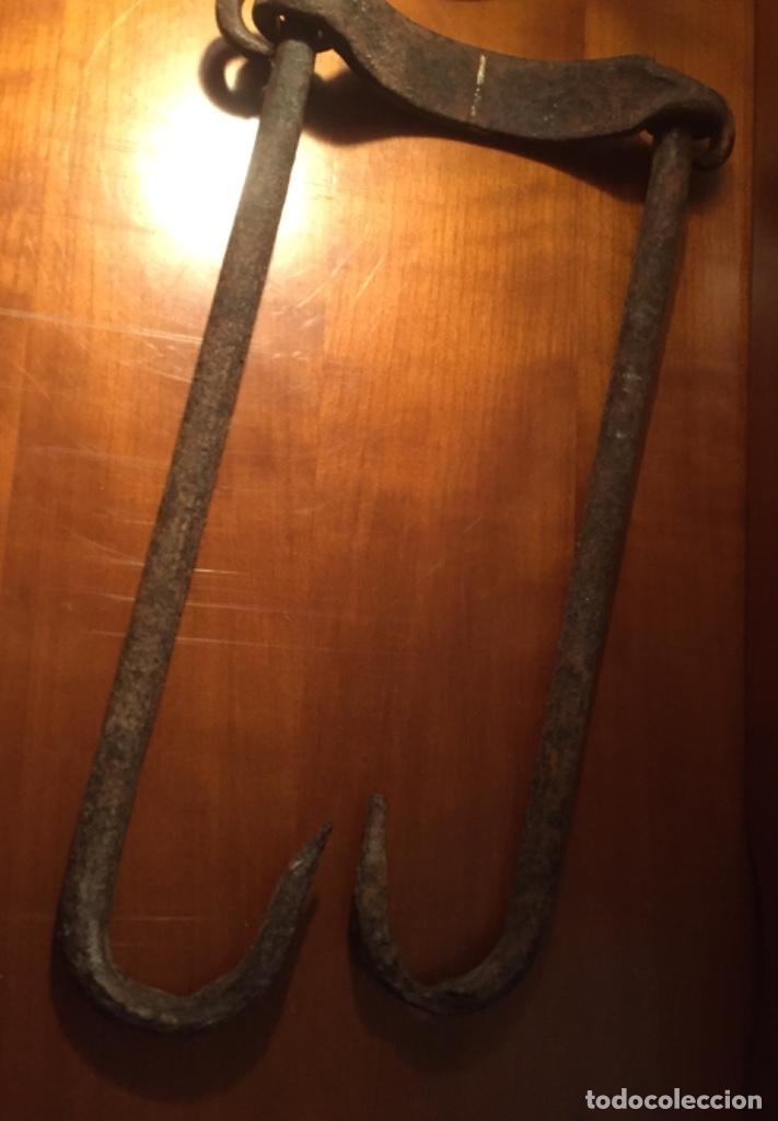 Antigüedades: Hierro forja para colgar ollas siglo XIX y principios XX - Foto 7 - 173007663