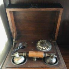 Teléfonos: TELÉFONO EN CAJA DE MADERA HECHO EN ITALIA FUNCIONA VINTAGE. Lote 173059124