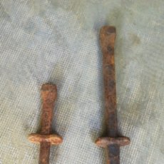 Antigüedades: 2 PUNTEROS FORJA. Lote 173204785