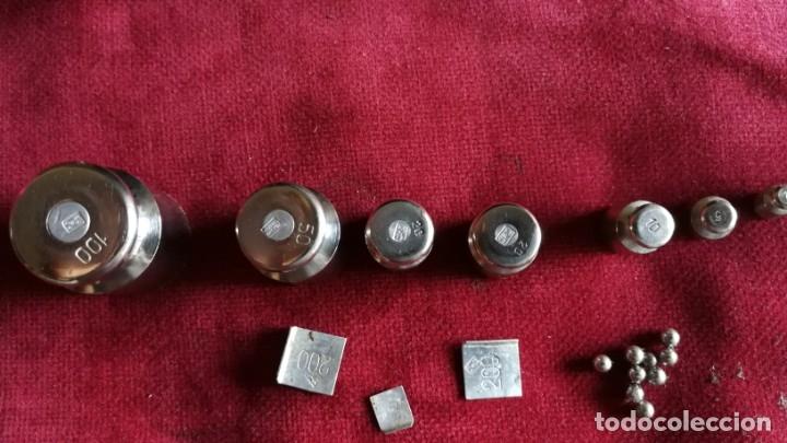 Antigüedades: JUEGO DE PESAS DE ORIGEN RUSO EN CAJA DE BAQUELITA, EXCELENTE - Foto 5 - 173374014