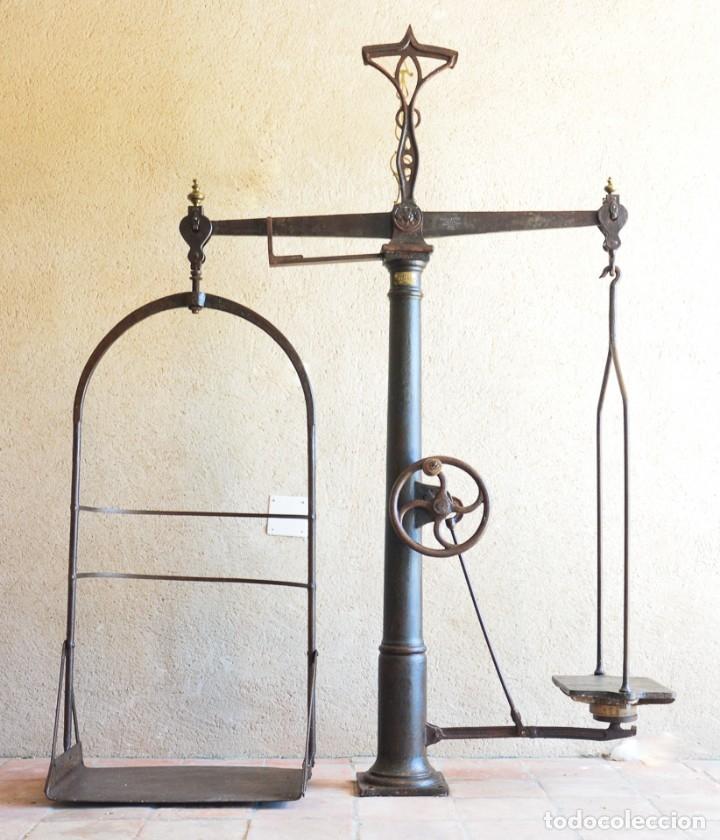 GIGANTE BÁSCULA INDUSTRIAL ARISÓ EN HIERRO Y BRONCE - HIJOS DE ARISÓ - BARCELONA, 1918, BALANZA (Antigüedades - Técnicas - Medidas de Peso - Básculas Antiguas)