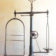 Antigüedades: GIGANTE BÁSCULA INDUSTRIAL ARISÓ EN HIERRO Y BRONCE - HIJOS DE ARISÓ - BARCELONA, 1918, BALANZA. Lote 173414284