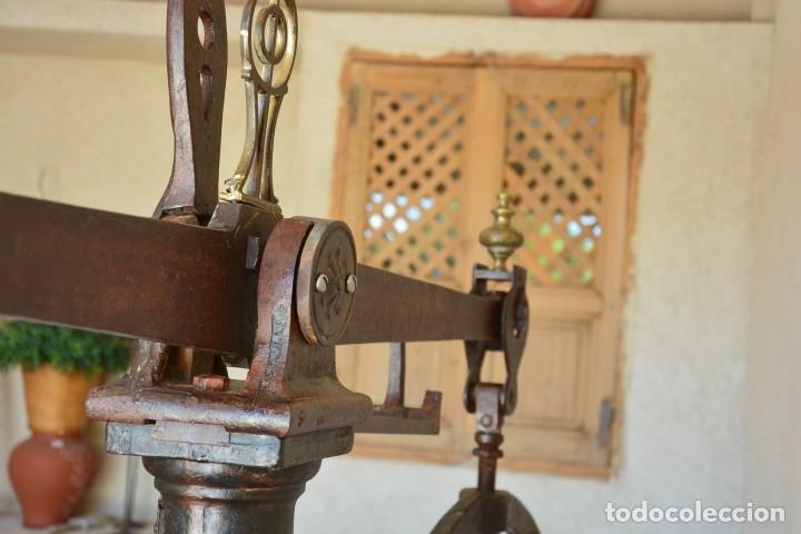 Antigüedades: Gigante báscula industrial Arisó en hierro y bronce - Hijos de Arisó - Barcelona, 1918, balanza - Foto 4 - 173414284