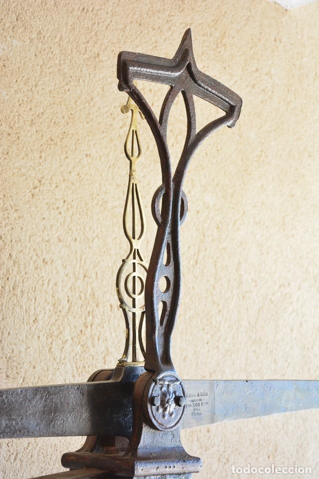 Antigüedades: Gigante báscula industrial Arisó en hierro y bronce - Hijos de Arisó - Barcelona, 1918, balanza - Foto 14 - 173414284