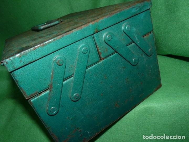 Antigüedades: CURIOSA ANTIGUA CAJA HERRAMIENTAS METAL RARO TAMAÑO USO DECORACION INDUSTRIAL - Foto 3 - 173529785