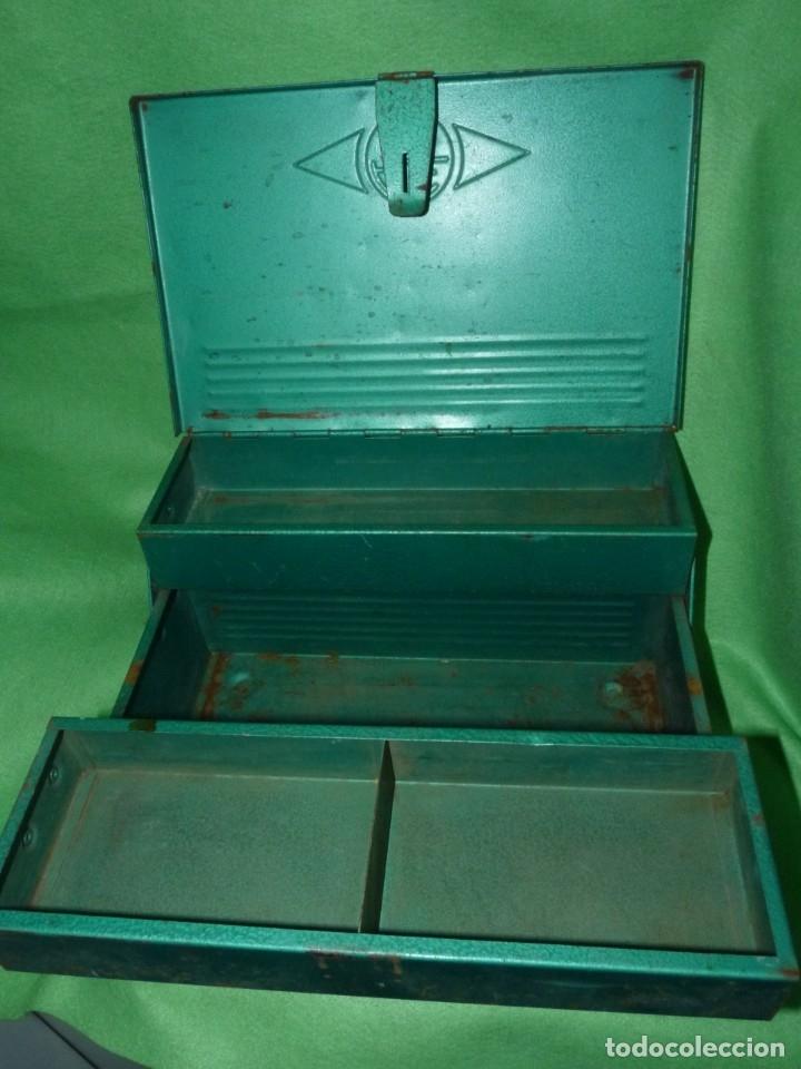 Antigüedades: CURIOSA ANTIGUA CAJA HERRAMIENTAS METAL RARO TAMAÑO USO DECORACION INDUSTRIAL - Foto 5 - 173529785