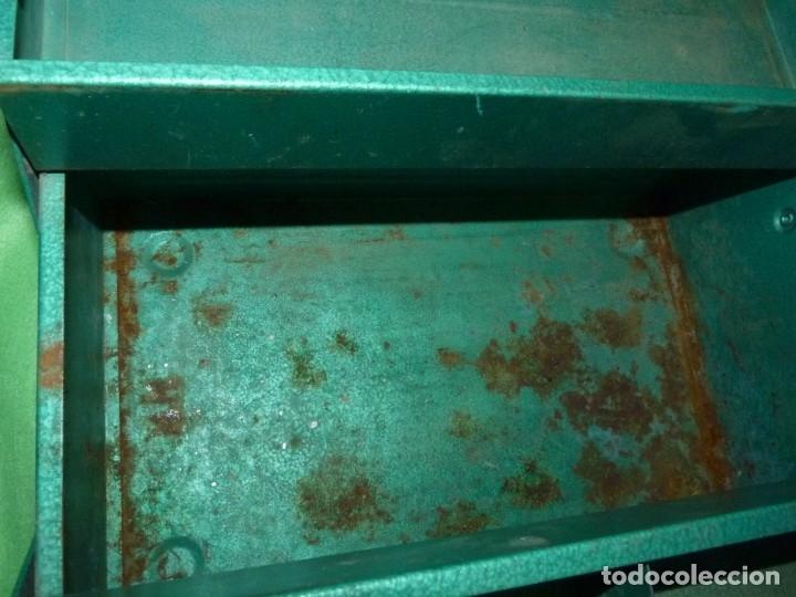 Antigüedades: CURIOSA ANTIGUA CAJA HERRAMIENTAS METAL RARO TAMAÑO USO DECORACION INDUSTRIAL - Foto 9 - 173529785