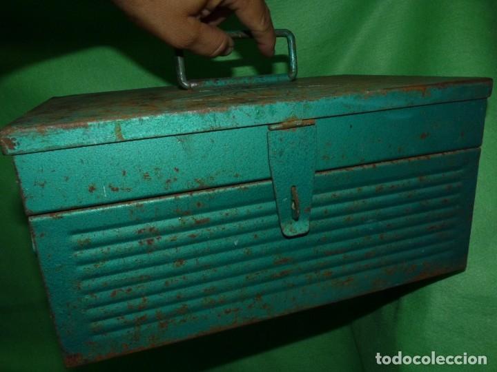 Antigüedades: CURIOSA ANTIGUA CAJA HERRAMIENTAS METAL RARO TAMAÑO USO DECORACION INDUSTRIAL - Foto 10 - 173529785