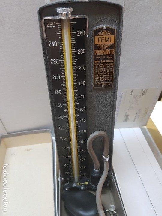 Antigüedades: Esfigmanometro o Tensiómetro antiguo de Mercurio Femi muy difícil en caja original y manual - Foto 2 - 173632928