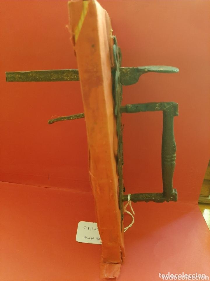 Antigüedades: Tirador de pestillo de hierro forjado del s. XVII. - Foto 5 - 41016482