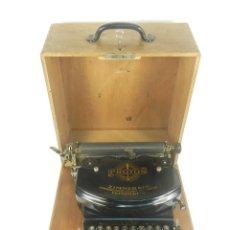 Antigüedades: MAQUINA DE ESCRIBIR PROTOS AÑO 1922 TYPEWRITER SCHREIBMACHINE. Lote 173845813