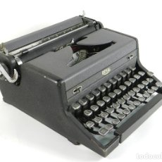 Antigüedades: MAQUINA DE ESCRIBIR ROYAL ARROW AÑO 1942 TYPEWRITER SCHREIBMASCHINE. Lote 173923282