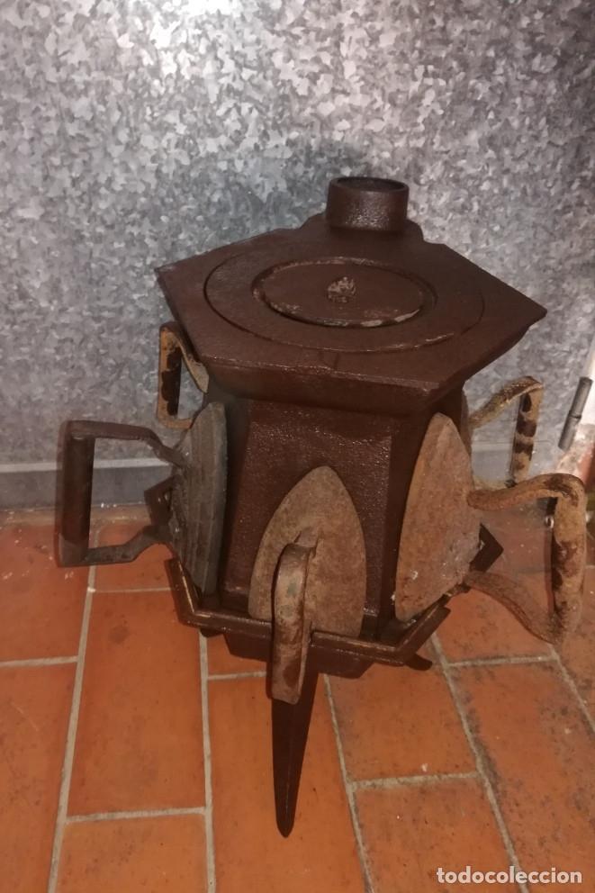 Antigüedades: CALENTADOR O CALIENTA PLANCHAS ANTIGUO DE CARBON CON 7 PLANCHAS. - Foto 5 - 173987924