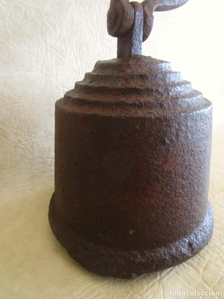 Antigüedades: antigua pesa con inscripciones 20,7 kilos numeros romanos - Foto 7 - 32534233