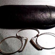 Antigüedades: GAFAS ANTIGUAS O QUEVEDOS EN ESTUCHE. Lote 174024624