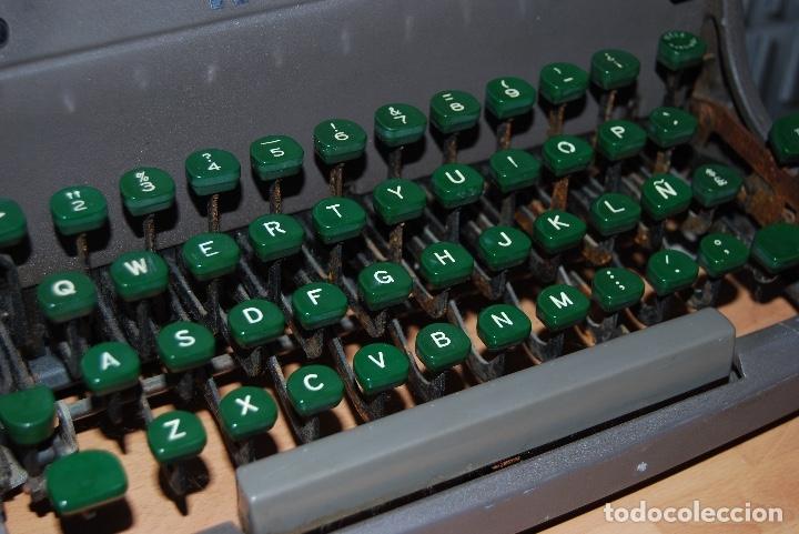 Antigüedades: Maquina de Escribir Antigua - Foto 4 - 174093000