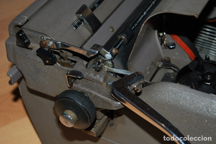 Antigüedades: Maquina de Escribir Antigua - Foto 14 - 174093000