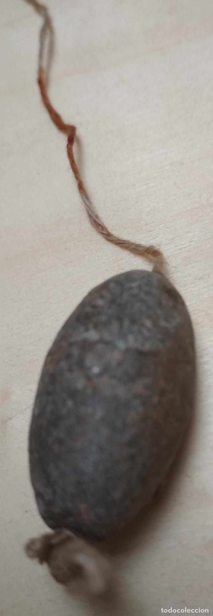 Antigüedades: LOTE DE 3 PLOMADAS PEQUEÑAS ANTIGUAS. Hierro,metal y piedra. - Foto 3 - 174175863