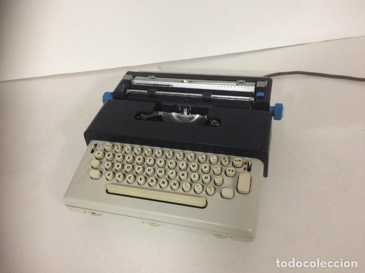 MAQUINA DE ESCRIBIR ELECTRICA OLIVETTI LETTERA 36 (Antigüedades - Técnicas - Máquinas de Escribir Antiguas - Otras)