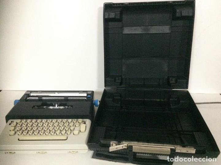 Antigüedades: Maquina de escribir electrica Olivetti Lettera 36 - Foto 5 - 174461297