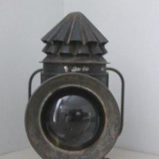 Antigüedades: ANTIGUA LINTERNA DE SEÑALIZACIÓN PETROLEO CON LUPA MUY GRUESA DE JEFE DE ESTACIÓN IGNORO ANTIGÜEDAD. Lote 174492877
