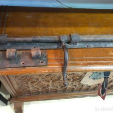 Antigüedades: ANTIGUO CERROJO DE HIERRO - MEDIDA 67 CM. Lote 174590302