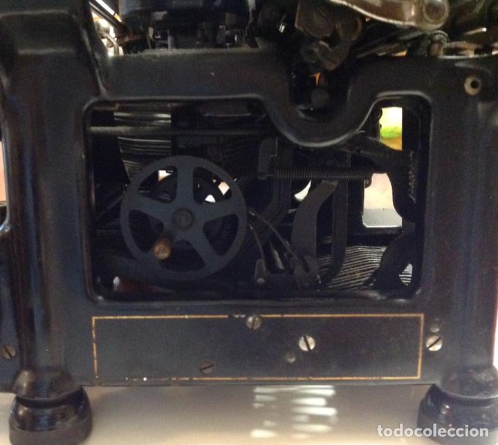 Antigüedades: Maquina de escribir UNDERWOOD. Revisada, funcionando (Made in USA, 1924) - Foto 8 - 174605562