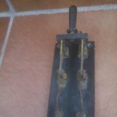 Antigüedades: ANTIGUO INTERRUPTOR TRIFASICO MARCA SILEX DE PIZARRA 30 AMP. Lote 174613592