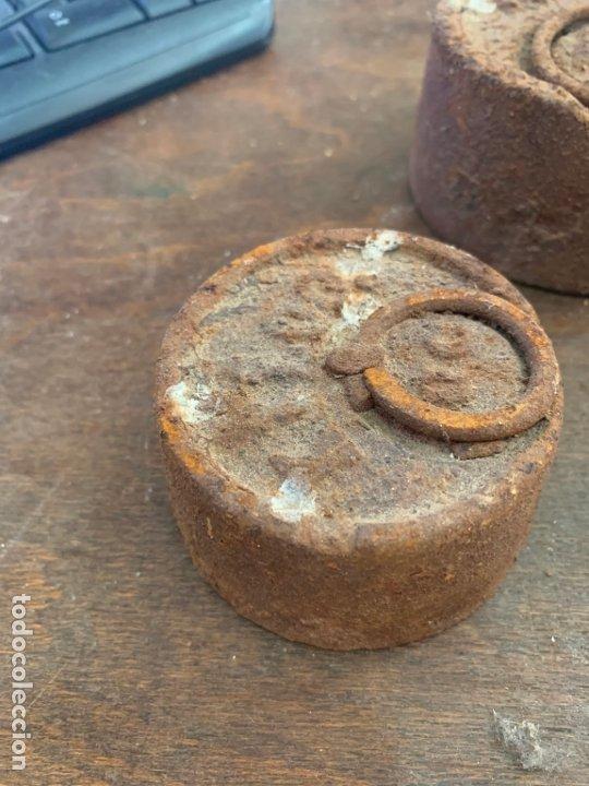 Antigüedades: LOTE JUEGO DE PESAS DE HIERRO - Foto 3 - 174893314