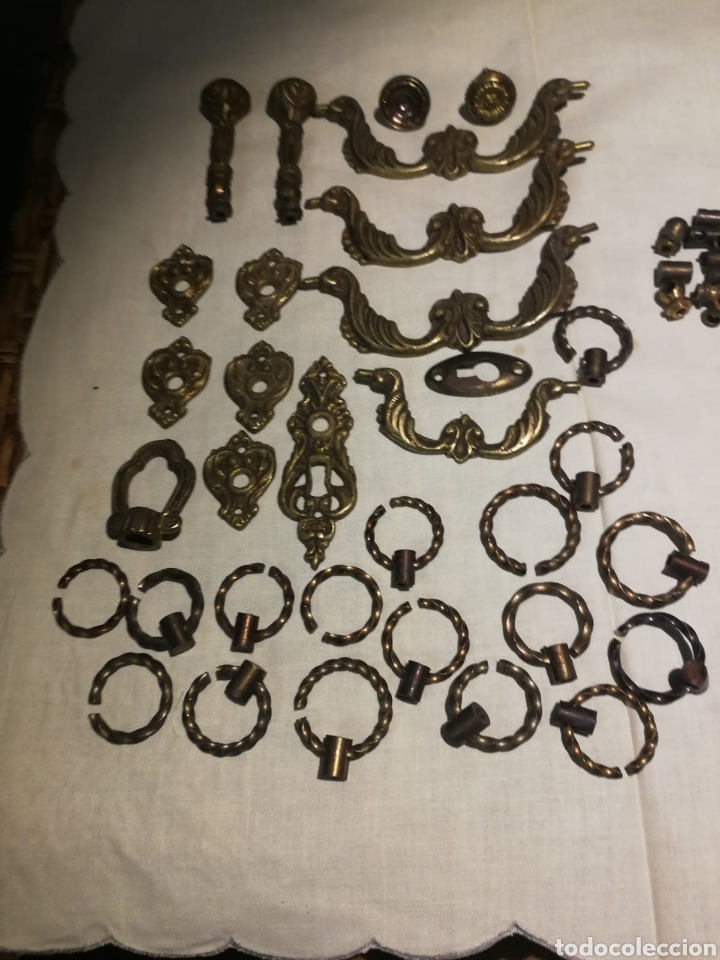 LOTAZO DE EMBELLECEDORES DE BRONCE ANTIGUOS (Antigüedades - Técnicas - Cerrajería y Forja - Forjas Antiguas)