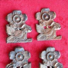 Antigüedades: 4 EMBELLECEDORES PARA MUEBLE, EN FUNCDICIÓN DE COBRE FIRMADOS A.M. Y NUMERADOS 92. Lote 174935404