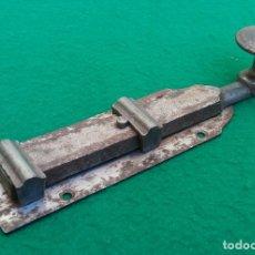 Antigüedades: ANTIGUA FALLEBA O PESTILLO DE FORJA, PERFECTO ESTADO, NUNCA USADO.. Lote 174952333