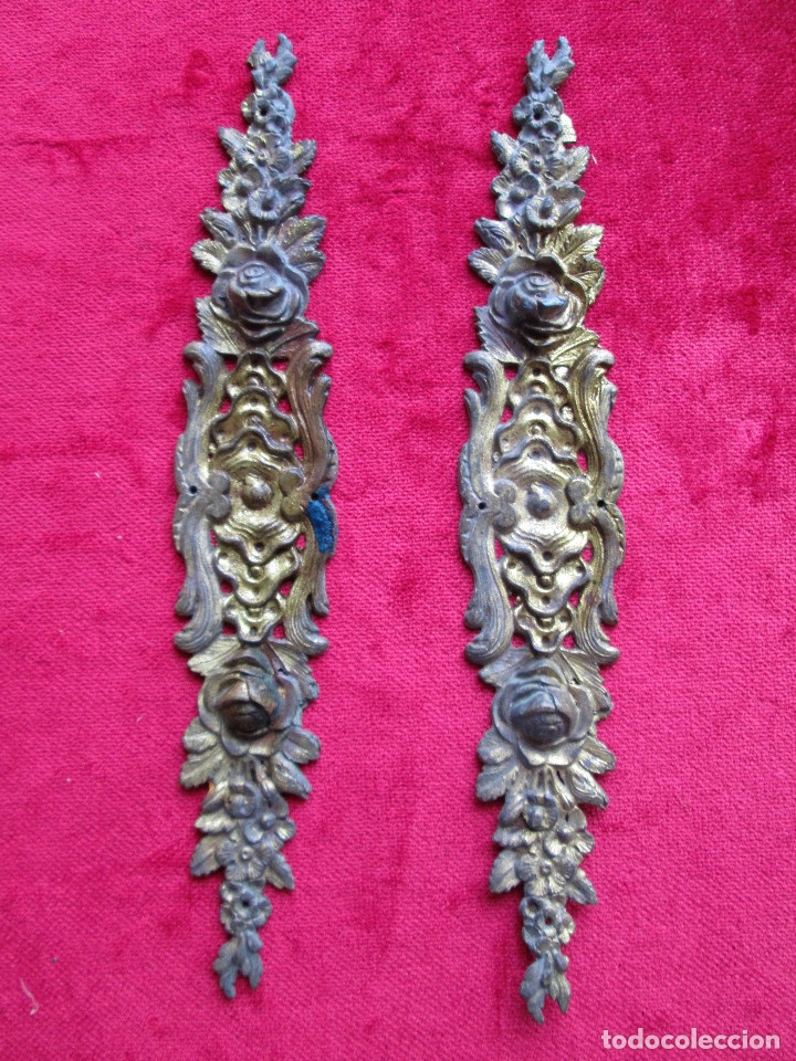 EMBELLECEDORES DE BRONCE PARA RESTAURAR MUEBLE ANTIGUO - 2 LARGOS ROSAS (Antigüedades - Técnicas - Cerrajería y Forja - Varios Cerrajería y Forja Antigua)