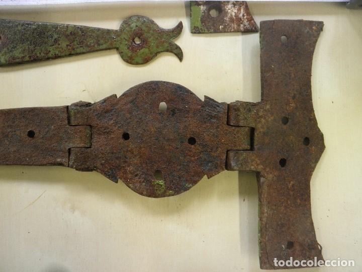 Antigüedades: LOTE DE VISAGRAS ANTIGUAS HIERRO FORJADO - Foto 5 - 174983312