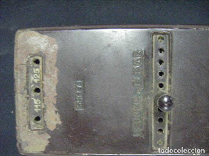 Antigüedades: JML TRANSFORMADOR REGULADOR ELECTRICIDAD OMECA 125V PARA RADIOS A VÁLVULAS. VER FOTOS. - Foto 2 - 191800337