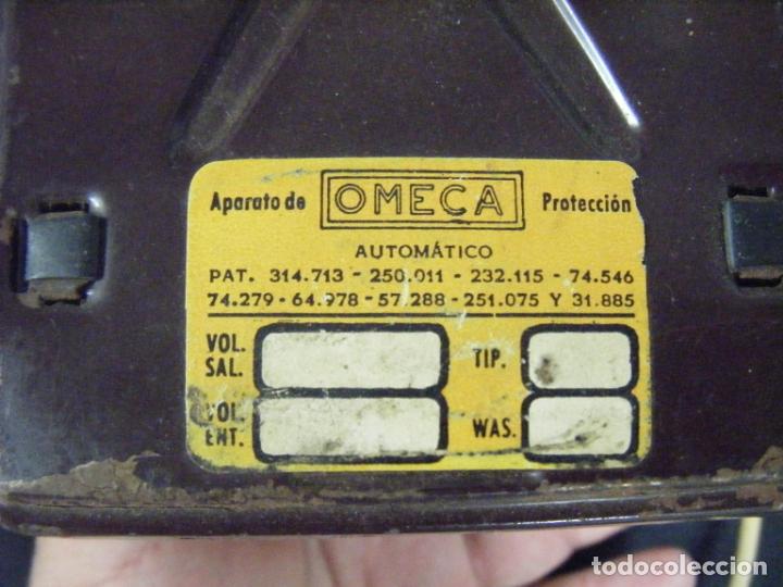 Antigüedades: JML TRANSFORMADOR REGULADOR ELECTRICIDAD OMECA 125V PARA RADIOS A VÁLVULAS. VER FOTOS. - Foto 4 - 191800337